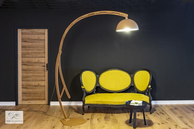 Composée de 8 parties articulées qui révèlent des lignes esthétiques et épurées,  La Lampe «  Happy » se déploie pour vous offrir un éclairage tout confort à 1 mètre ou à 3 mètres de hauteur, selon le
